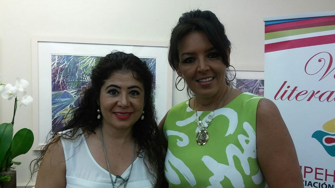 Pilar Vélez y María Elena Lavaud, escritora y periodista